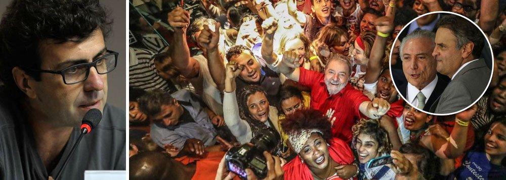 """Uma das principais lideranças do Psol, o deputado Marcelo Freixo, do Rio de Janeiro, postou um novo vídeo em defesa da democracia e do direito do ex-presidente Lula de ser candidato; """"Não é possível que a gente assista o Temer continuar presidente, o Aécio continuar senador, e o Lula não poder ser candidato""""; segundo ele, os processos contra Lula têm a marca do arbítrio, enquanto Temer já foi denunciado por corrupção e organização criminosa e Aécio se transformou no símbolo maior da impunidade no Brasil; """"a democracia é muito frágil e precisa ser defendida"""", afirma"""