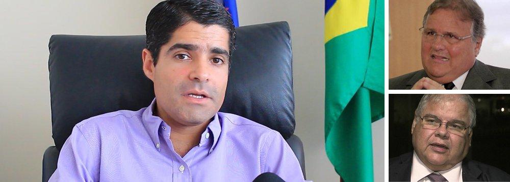 O ex-ministro Geddel Vieira Lima, preso em Brasília, e seu irmão Lúcio, deputado federal, ambos do MDB, estão incomodados com o prefeito de Salvador, ACM Neto (DEM); os irmãos acham que o democrata está por trás do movimento de esvaziá-los no MDB baiano, de acordo com a coluna Expresso; o texto informou, ainda, que o vice-prefeito de Salvador, Bruno Reis, tenta ocupar o espaço dos Vieiras Lima, atingidos em investigações da PF