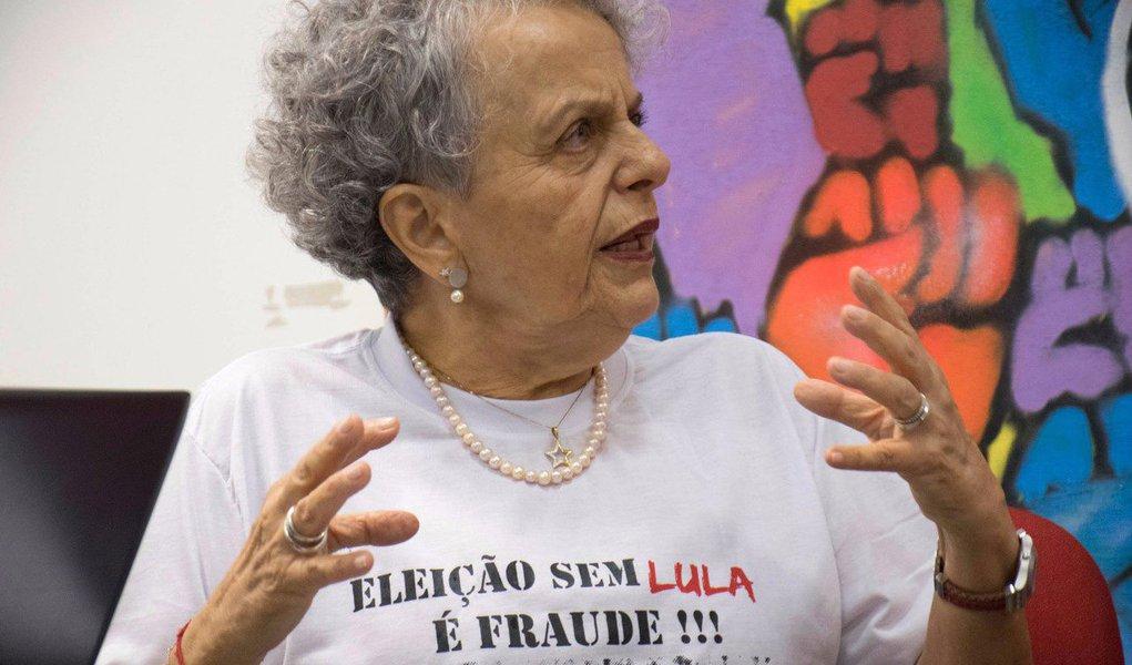 """""""Querem retirar do presidente Lula a possibilidade de ele ser candidato. Nós, mulheres, não permitiremos"""", disse a ex-ministra, que comandou a secretaria de Políticas para Mulheres no governo Dilma, pasta criada pelo petista; ato de mulheres em defesa de Lula será no dia 23; assista ao vídeo"""
