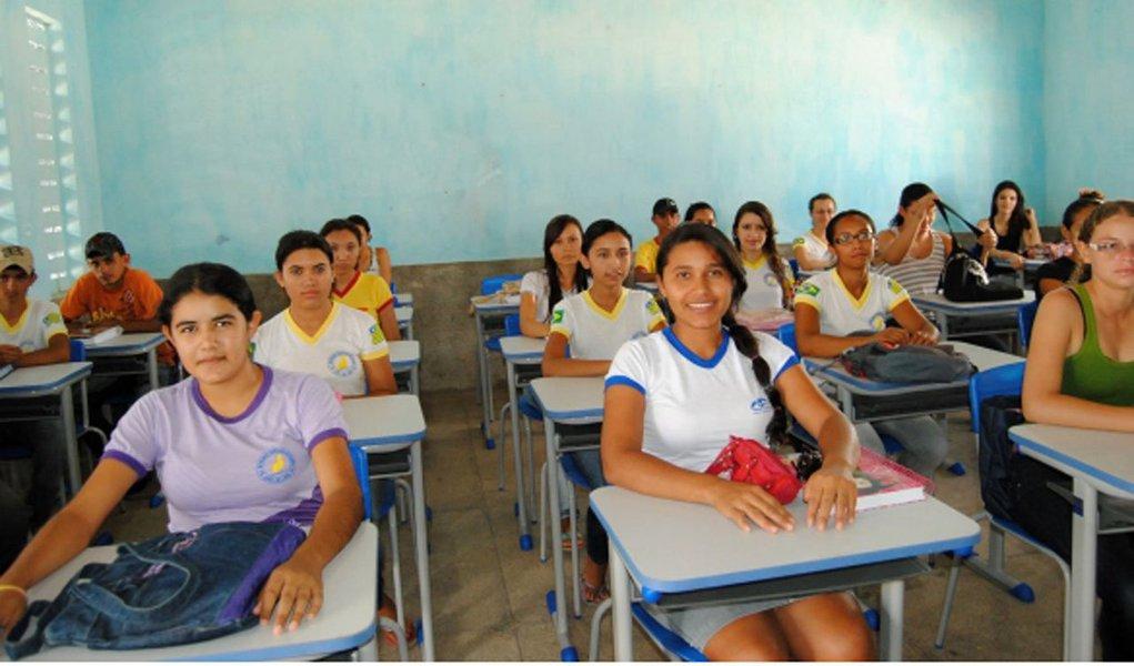 O Ministério da Educação anunciou, nesta quarta-feira (17), a liberação de R$ 406 milhões para o Programa de Fomento às Escolas de Ensino Médio em Tempo Integral; liberado ao longo de 2018, o recurso será usado pelas 27 unidades da federação e o Piauí deve receber R$ 18,4 milhões
