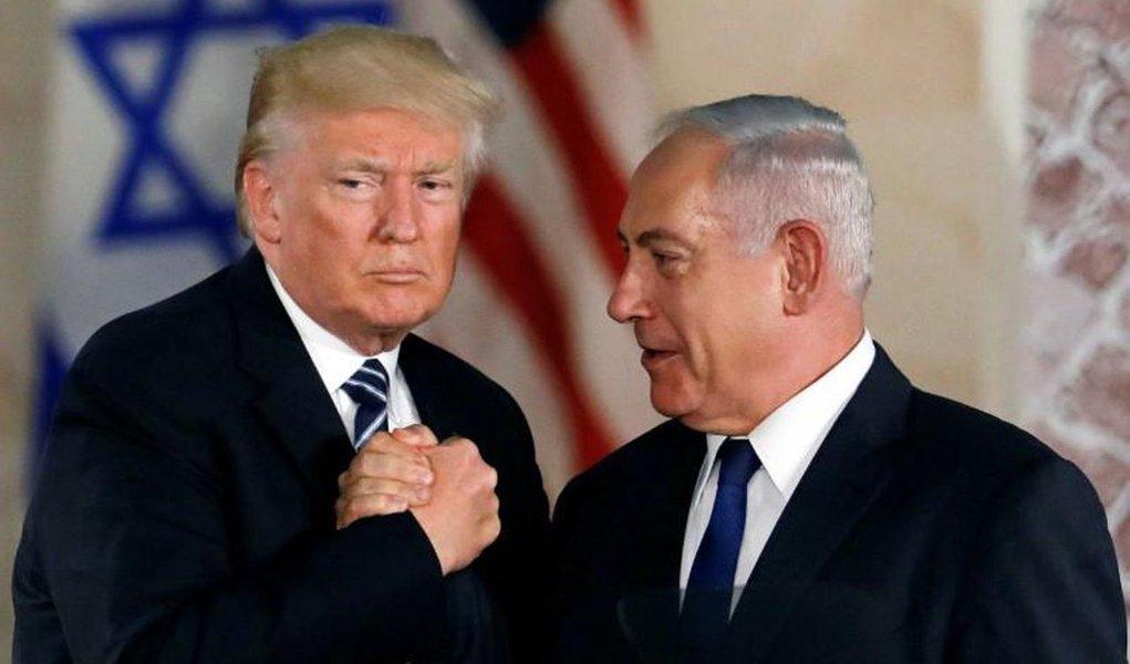 Israel e os EUA elaboraram um programa conjunto estratégico para conter o Irã durante um encontro secreto, informou o Canal 10 israelense. Durante a visita, os israelenses se encontraram com seus colegas do Departamento de Defesa e inteligência norte-americanos