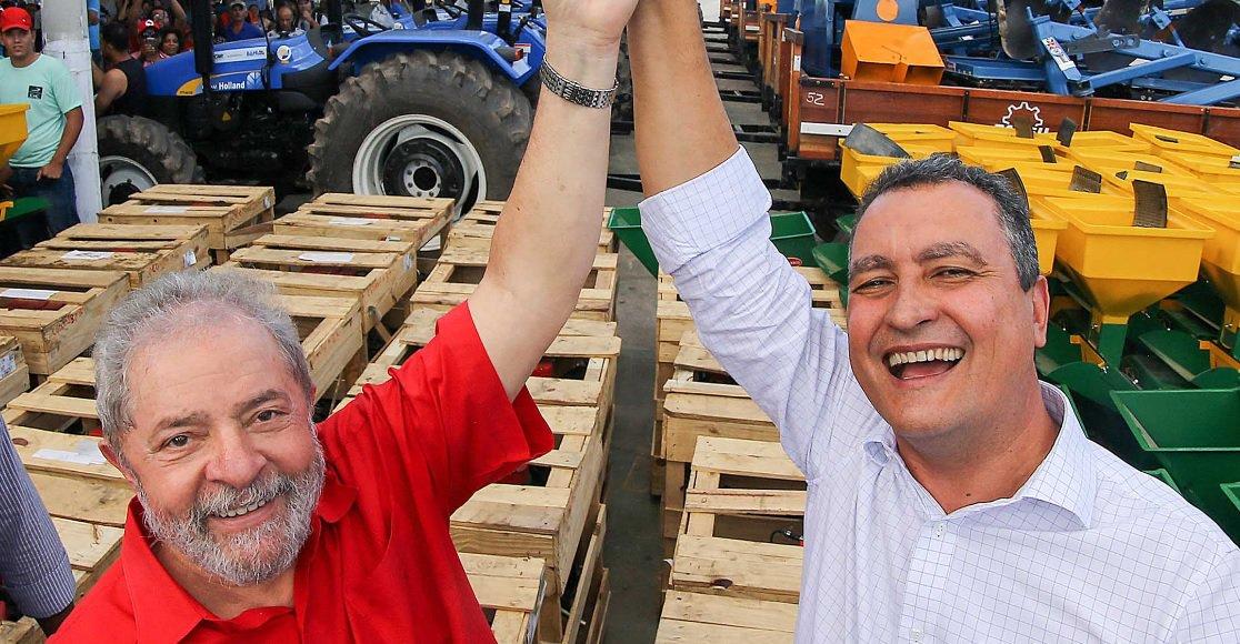 """Presente à reunião da executiva nacional do PT em São Paulo, na qual foi lançada a pré-candidatura do ex-presidente Lula ontem (25),o governador Rui Costa disse que a condenação do ex-presidente foi um """"golpe na democracia""""; """"O resultado do julgamento não causa surpresa. Lula já havia sido condenado há muito tempo, mesmo sem ser apresentada qualquer prova contra ele. A pergunta que não quer calar é: Cadê a prova contra Lula? Na verdade, Lula não perdeu. Quem perdeu foi a democracia, quem perdeu foi o Estado Brasileiro de Direito"""", disse Rui"""