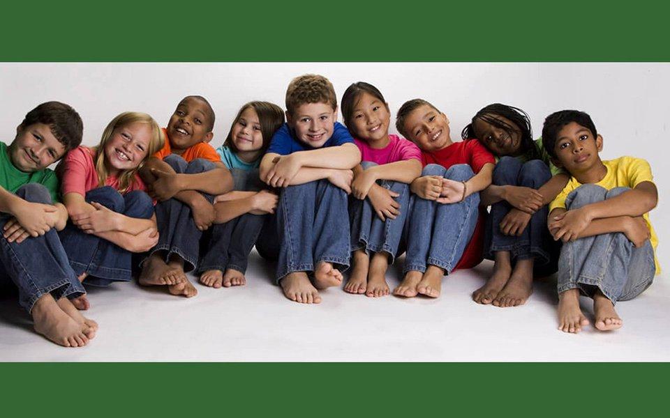 Do ponto de vista científico, os critérios de distinção racial não se sustentam. As migrações dos nossos ancestrais misturam os genes da espécie. Só existe uma única raça sobre a Terra: a humana.