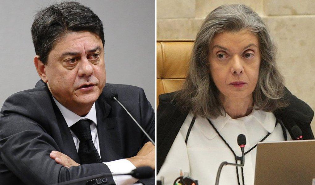 """O deputado Wadih Damous (PT-RJ), ex-presidente da OAB no Rio de Janeiro, criticou a ministra Cármen Lúcia, que disse que o STF não irá rediscutir a prisão após condenação em segunda instância por ocasião da condenação do ex-presidente Lula no TRF-4; """"O que apequenou o STF foi a conivência com o golpe e ter se tornado o coveiro da Constituição e não o seu guardião além de alguns ministros atuarem como departamento jurídico da Globo"""", disse Damous"""
