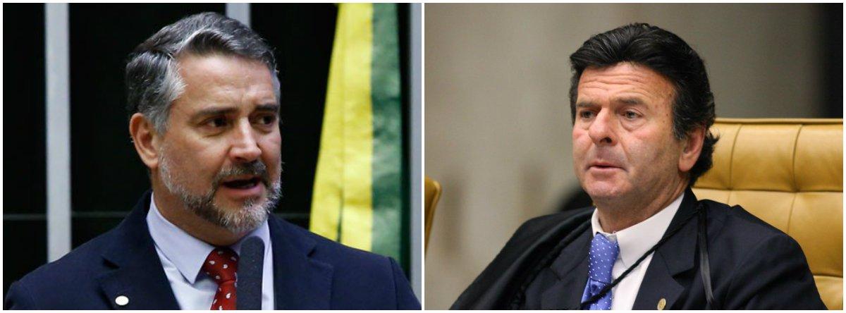 """Em vídeo, o líder do PT na Câmara, Paulo Pimenta (RS), bateu duro no presidente do TSE, Luiz Fux, que, em 2014, era ministro do STF e """"simplesmente concedeu liminar dando direito para juízes quererem o auxílio-moradia. Em seguida, Fux levou para análise do plenário? Não, colocou na gaveta""""; para Pimenta, Fux teve uma atitude """"vergonhosa"""" e teve a """"covardia de alguém que não pensou no Brasil, mas que pensou na sua biografia""""; assista"""