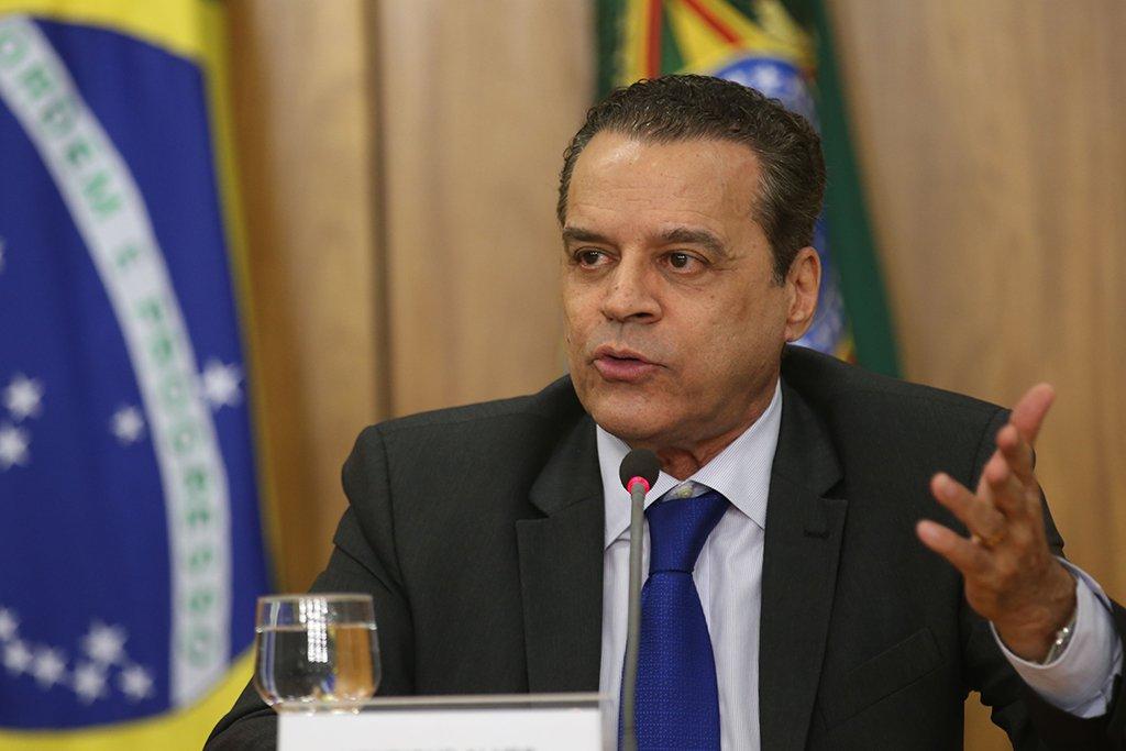 Brasília - O ministro do Turismo, Henrique Eduardo Alves, fala sobre os Jogos Olímpicos e Paralímpicos Rio 2016, no Palácio do Planalto (Fabio Rodrigues Pozzebom/Agência Brasil)
