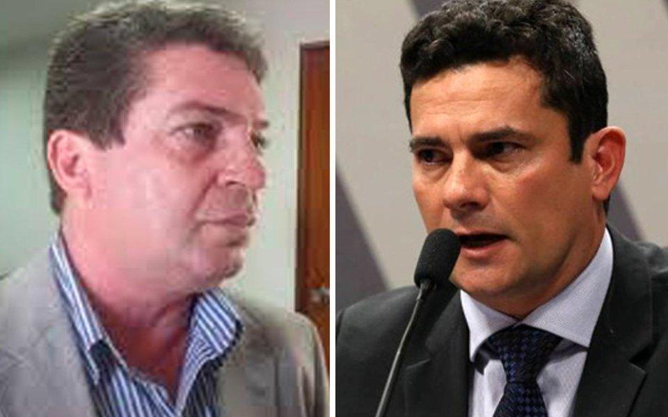 O presidente do PT em Alagoas, Ricardo Barbosa, está convocando os militantes para uma grande vigília em defesa do direito de Lula ser candidato à presidência; a convocação vem sendo feita pelas redes sociais e a expectativa é reunir milhares de pessoas na capital alagoana nesta quarta-feira (24), quando o TRF de Porto Alegre vai julgar o ex-presidente; Barbosa também está percorrendo o interior do estado para mobilizar os militantes; é grande a insatisfação com a condenação em primeira instância dada pelo juiz Sérgio Moro