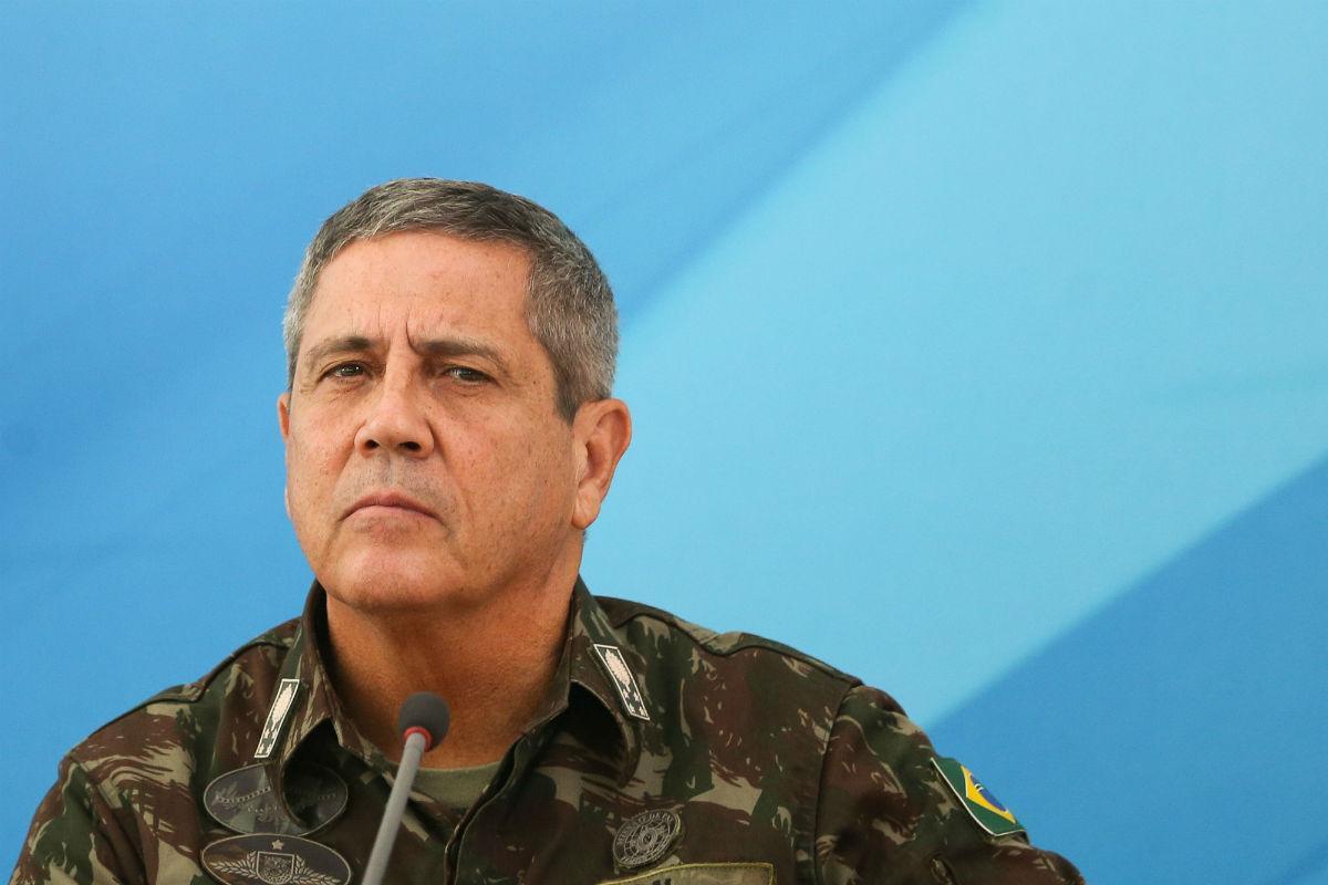 Salve a imagem do Exército, general. E convença os governantes do povo fluminense e carioca a renunciarem, para que sejam convocadas eleições antecipadas. A democracia é sempre a melhor alternativa!