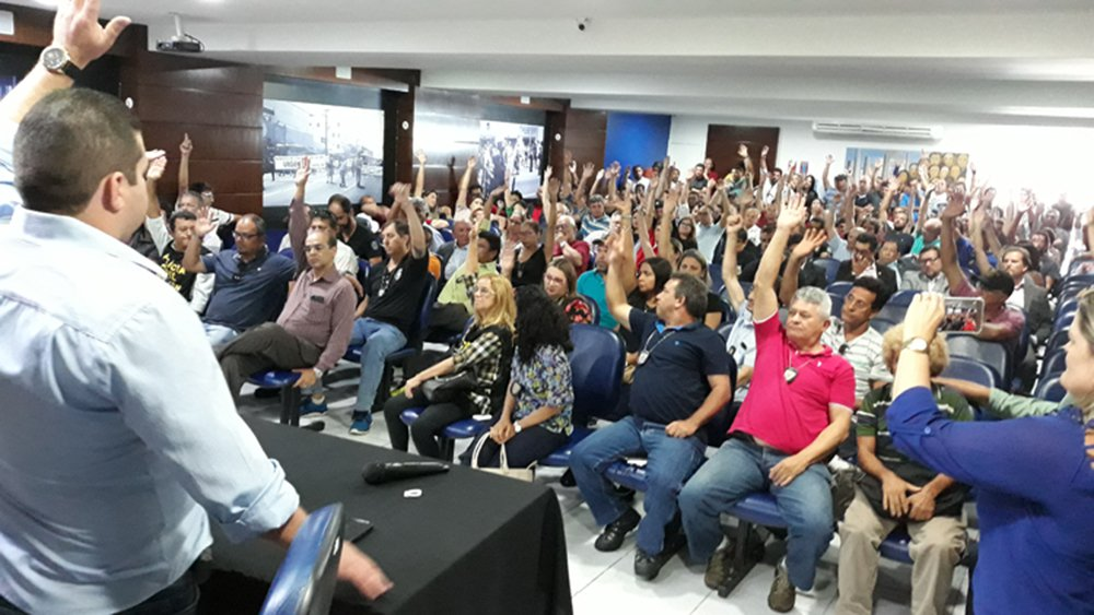 Os policiais civis e militares e bombeiros militares do Rio Grande do Norte decidiram aceitar o acordo proposto pelo governo estadual, pondo fim às mobilizações, estabelecidas desde o dia 20 de dezembro; de acordo com a assessoria do Sinpol-RN, o atendimento à população nas delegacias já está sendo normalizado