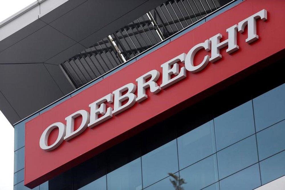 Logo da Odebrecht em edifício da empreiteira em Lima, no Peru. REUTERS/Janine Costa.