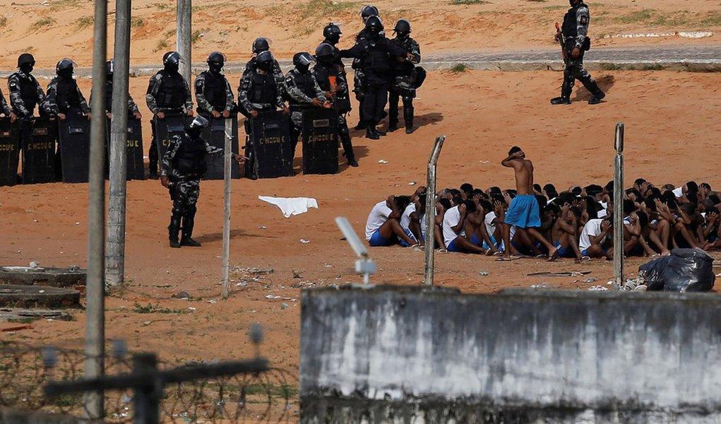 O percentual (21,6%) de presos que relataram violência, no entanto, é considerado abaixo da realidade, por causa do medo do suspeito, pois em 86% das audiências havia policiais militares na sala; apesquisa, divulgada pelo CNJ, foi feita peloFórum Brasileiro de Segurança Públicacom base em 947 presos no período de 1º de janeiro a 31 de dezembro de 2016 dos tribunais deSão Paulo, Distrito Federal, Paraíba, Rio Grande do Sul, Santa Catarina e Tocantins