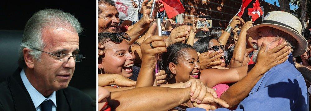 """Vice-presidente do TCU, ministro José Múcio Monteiro, defendeu o direito do ex-presidente Luiz Inácio Lula da Silva de disputar a eleição presidencial deste ano; """"Temo que ele seja impedido sem que haja prova inconteste, quem ganhar vai ter muita dificuldade de governar se isso acontecer"""", afirmou em referência ao julgamento marcado para o próximo dia 24, em Porto Alegre, no âmbito do processo sobre o triplex do Guarujá; para ele, a inclusão de Lula no pleito eleitoral fará bem à democracia e para o cenário político nacional"""