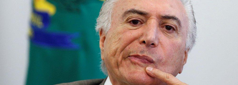 """""""Como se sabe, o Brasil livrou-se, há quase dois anos, do maléfico 'lulopetismo'"""", diz Fernando Brito, editor do Tijolaço; """"O resultado desta 'moralização' está nas primeiras páginas dos jornais de hoje: Temer calcula ter R$ 30 bilhões para aprovar a reforma da Previdência, diz o Estadão""""; afirma; """"E como não podem convencer a maioria de que isso seja bom e justo, partem os homens bons para seu último recurso, sua ultima ratio: em nome da moralidade, todos estão proibidos de votar em Lula, ainda que o queiram"""""""