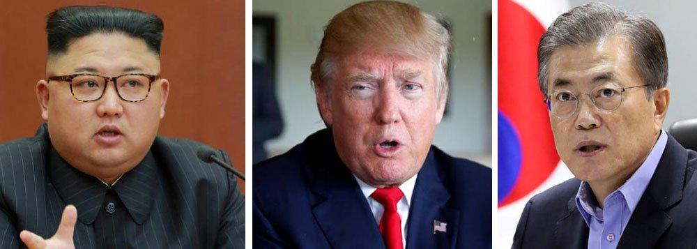 Presidente dos Estados Unidos, Donald Trump, disse ao presidente sul-coreano, Moon Jae-in, que está aberto a conversar com a Coreia do Norte, afirmou o gabinete presidencial sul-coreano, depois que os dois líderes conversaram por telefone; im dia depois que as duas Coreias realizaram suas primeiras conversas em mais de dois anos, Trump disse que não haverá ações militares enquanto as conversas estiverem em andamento, segundo comunicado da Casa Azul