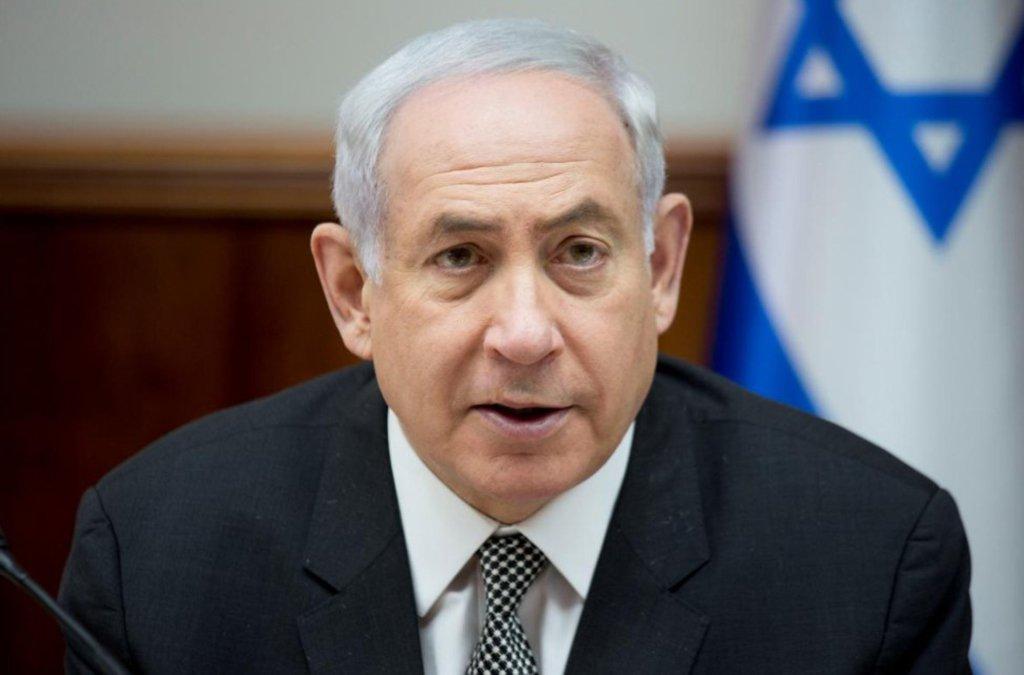 """Israel pretende conter a presença militar iraniana na Síria, fará tudo para impedir a criação de bases no país árabe, declarou o premiê israelense, Benjamin Netanyahu, discursando em Munique; """"As intenções do Irã na Síria são bem claras, eles tentam unir Teerã e Tartus e criar um Estado. Faz tempo que sei disso. Israel continuará contendo o Irã nas suas intenções de se infiltrar e continuar asações militares na Síria. Faremos tudo para que não sejam criadas bases terroristas"""", disse;""""O Irã está tentando apertar a corda ao nosso pescoço"""""""