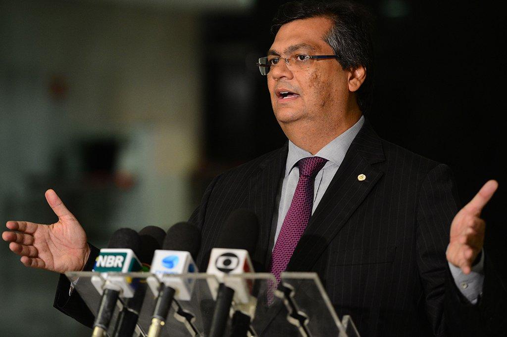 Brasília - Governador do Maranhão, Flavio Dino, fala com a imprensa após reunião com a presidenta Dilma, no Palácio do Planalto (Fabio Rodrigues Pozzebom/Agência Brasil)