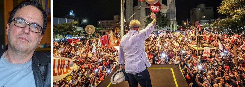 """""""É muito mais do que a candidatura de Lula que está em jogo. É se vamos continuar deixando o golpe avançar ou se vamos começar a dar um basta. Por isso, a defesa intransigente do direito do ex-presidente a se candidatar é muito maior do que o PT e o lulismo. É uma linha divisória entre democracia e golpismo"""", diz o professor Luis Felipe Miguel, da Universidade de Brasília"""