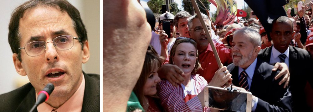 """Em entrevista ao Nocaute, o economista norte-americano Mark Weisbrot avalia que o Brasil terá que ser reconstituído como uma forma de democracia eleitoral muito mais limitada, """"na qual um judiciário politizado pode excluir um líder político popular de concorrer a um cargo público. Isso seria uma calamidade para os brasileiros, para a região, e para o mundo"""""""