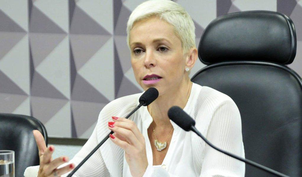 Defesa da deputada federal Cristiane Brasil (PTB-RJ) entrou nesta quarta-feira (10) com novo recurso no Tribunal Regional Federal da 2ª Região (TRF-2) para reverter a decisão que barrou a posse dela no cargo de ministra do Trabalho; na véspera, o vice-presidente do TRF-2, Guilherme Couto de Castro, havia negado pedido do governo para derrubar uma liminar que suspendera a posse de Cristiane no ministério; Advocacia-Geral da União (AGU) também prepara um recurso que deve ser apresentado nesta quarta ao STF para garantir a posse da nova ministra