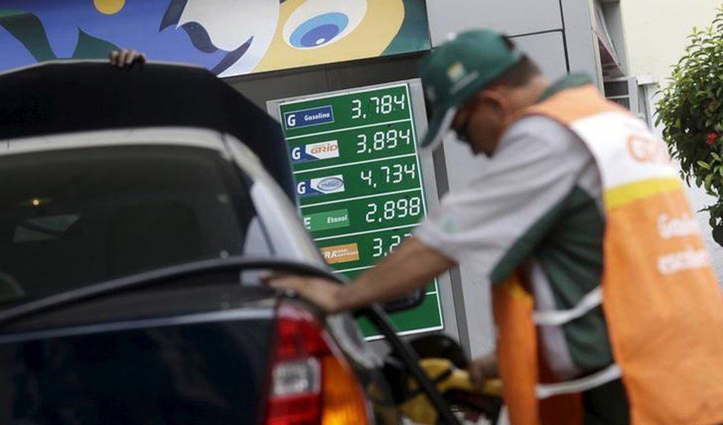 Petrobras elevará os preços do diesel nas refinarias em 0,7% em 12 de janeiro; já a gasolina deverá subir 1,4%, na sua terceira alta consecutiva; reajustes fazem parte da nova sistemática de formação de preços da estatal, em vigor desde julho de 2017, que prevê alterações quase que diárias nas cotações dos combustíveis