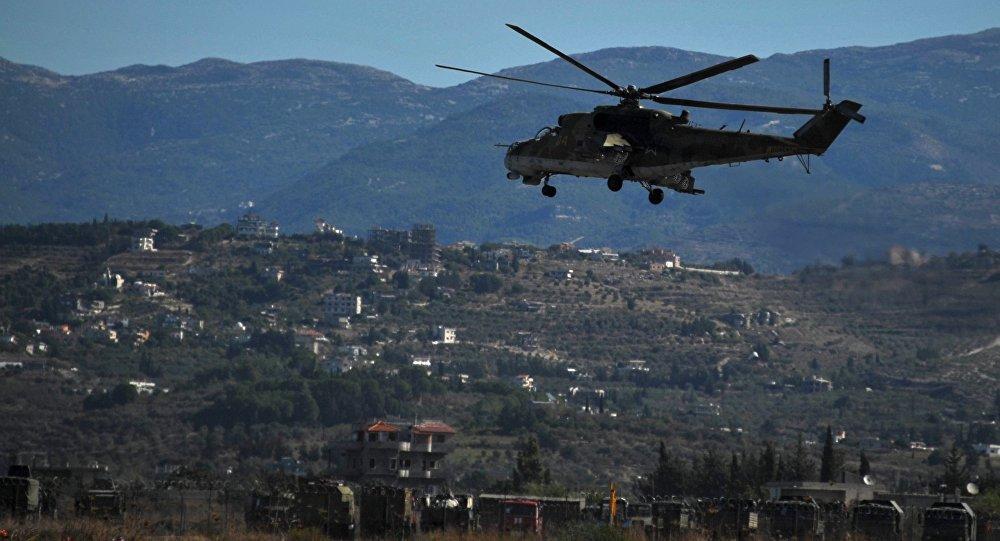 Ministério da Defesa da Rússia comunicou nesta quarta-feira, 3, que um helicóptero russo acidentou na Síria no último dia de 2017 devido a uma falha técnica durante um voo para o aeródromo na província de Hama; ambos os pilotos do avião morreram ao efetuar uma aterrissagem de emergência a 15 km do aeródromo; o técnico de bordo, por sua vez, ficou gravemente ferido, tendo sido resgatado por uma equipe de especialistas russos e levado para a base aérea russa de Hmeymim na Síria
