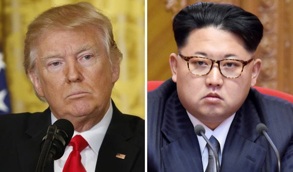 """O presidente dos Estados Unidos, Donald Trump, disse no sábado que estaria disposto a conversar por telefone com o líder norte-coreano, Kim Jong Un; respondendo perguntas de jornalistas no retiro presidencial em Camp David, Maryland, Trump expressou disposição em conversar com Kim, mas não sem condições prévias; """"Absolutamente, eu faria isso. Não tenho nenhum problema com isso"""", disse Trump"""