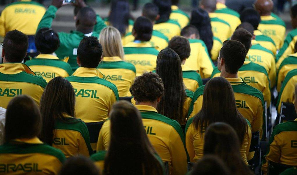 Ministério do Esporte reduziu a verba destinada ao programa Bolsa-Atleta ao longo deste exercício. O valor, de R$ 79,3 milhões, é o mais baixo desde 2013, quando foram aplicados R$ 183 milhões; número de esportistas contemplados também foi reduzido, de 7.297 atletas no ano passado, para 5.830 neste ano. Em 2016, o valor destinado ao programa foi da ordem de R$ 143 milhões