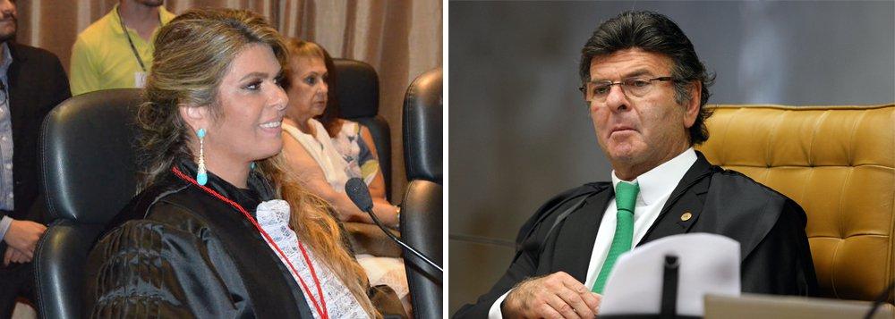 Segundo o site BuzzFeed, Marianna Fux,desembargadora no Tribunal de Justiça do Rio de Janeiro, recebe mensalmente auxílio-moradia de R$ 4.300, ao mesmo tempo que tem dois apartamentos no Leblon, que, por baixo, valem R$ 2 milhões; em dezembro de 2017, o ministro do STF Luiz Fux negou pedido de suspensão de pagamento de auxílio-moradia a juízes que moram na mesma cidade em que estão lotados
