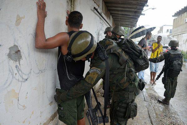 A intervenção militar no Rio de Janeiro é o atestado de falência de um governo ilegítimo com quem a elite imaginou poder governar sem o voto popular e a vontade soberana da cidadania