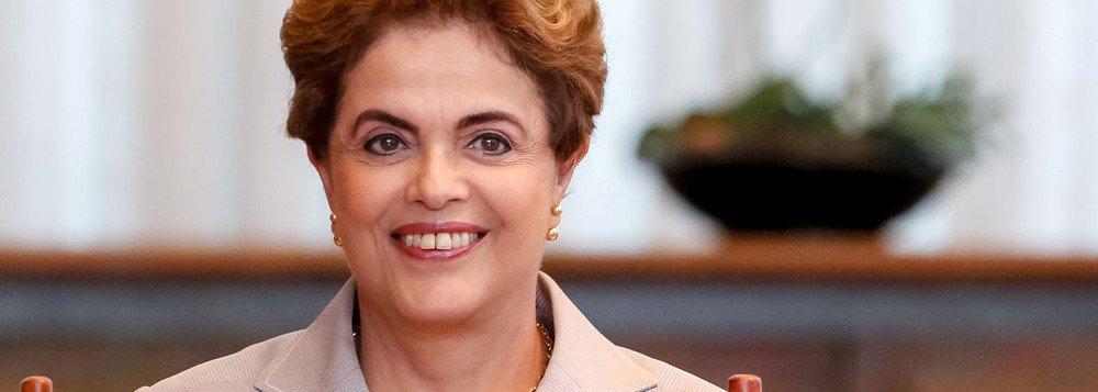 O Partido dos Trabalhadores testa o nome da presidente deposta pelo golpe, Dilma Rousseff, para disputar o Senado nos Estados do Piauí, Maranhão, Minas Gerais e Tocantins, segundo informa a coluna Expresso; os testes não incluem Rio de Janeiro e Rio Grande do Sul, diz o texto
