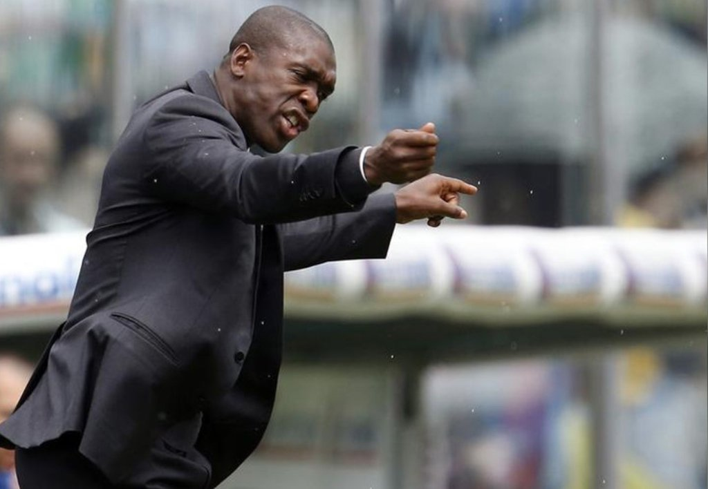 O Deportivo de La Coruña anunciou que o ex-meio-campista holandês Clarence Seedorf será o treinador da equipe até o final da temporada; o time espahol, que está em 18º lugar no campeonato, demitiu Cristobal Parralo no domingo, e o holandês Seedorf é o terceiro técnico nesta temporada