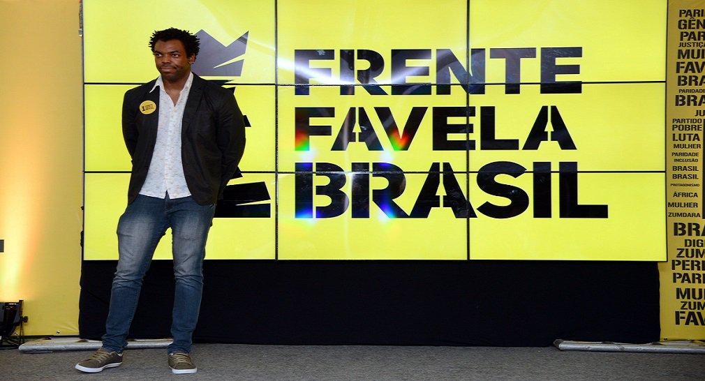 """""""O Frente Favela Brasil acredita que na democracia o maior juiz é o povo! Somos as maiores vítimas dos escandalosos desvios feitos por lideranças de praticamente todos os partidos mas acreditamos que só o povo, e ninguém mais, pode decidir quem será o próximo presidente da República. Impedir a candidatura do ex-presidente Lula, de um migrante nordestino que é líder absoluto em todas as pesquisas, é hoje o maior risco para nossa democracia"""", diz o partido em nota oficial divulgada neste domingo; Lula será julgado nesta semana, em Porto Alegre"""