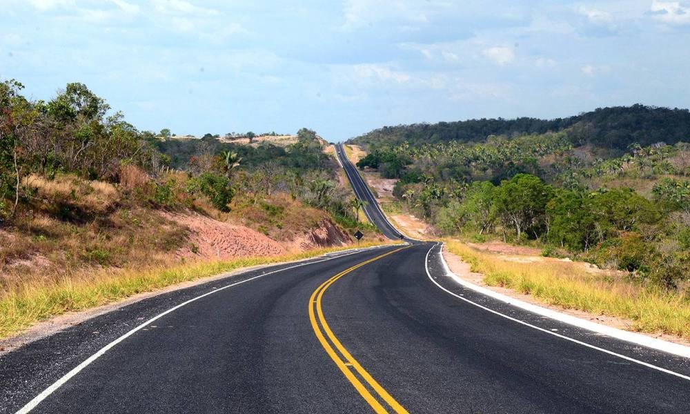 O Governo do Tocantins trabalha para recuperar as rodovias em vários municípios do Estado; com financiamento do Banco Mundial (Bird), o estado está reconstruindo cerca de 1,5 mil km de rodovias estaduais; na segunda etapa do programa, mais 1.382 km serão beneficiados