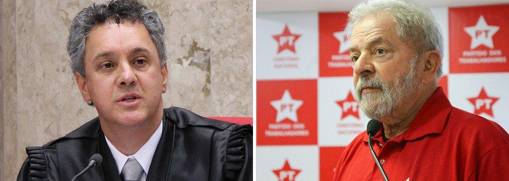 Defesa do ex-presidente reitera um pedido já feito no dia 11 de setembro ao desembargador João Pedro Gebran Neto, do TRF-4; Lula pediu para ser novamente interrogado no caso do triplex a três semanas do julgamento em segunda instância pelo tribunal de Porto Alegre; Gebran não tem prazo para decidir