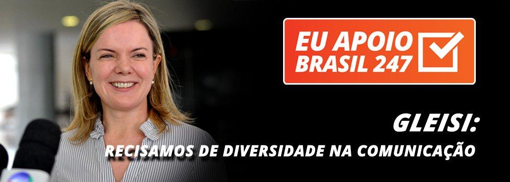 """A senadora Gleisi Hoffmann (PT-PR) também apoia a campanha de assinaturas solidárias do 247. """"O Brasil 247 é muito importante para a democracia brasileira.Acesse e apoie porque nós precisamos de diversidade na nossa comunicação"""", diz ela"""