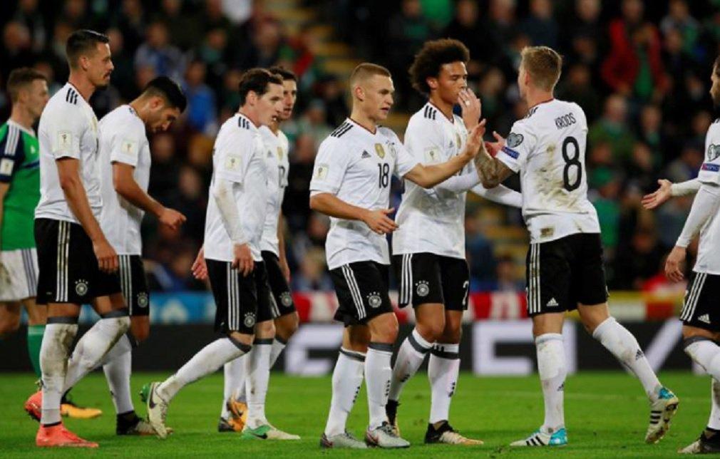 A atual campeã mundial, Alemanha, e a Inglaterra garantiram vaga na Copa do Mundo de 2018, que será disputada na Rússia; os alemães se classificaram com uma vitória por 3 x 1 sobre a Irlanda do Norte no Grupo C, enquanto os ingleses derrotaram a Eslovênia por 1 x 0 graças a um gol nos acréscimos do capitão Harry Kane no Grupo F