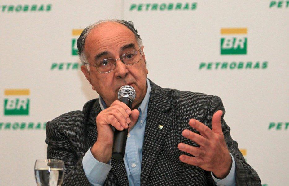 """Responsável pelos trabalhos que levaram a descoberta do pré-sal pela Petrobras, o geólogo Guilherme Estrella deu uma serie de entrevistas ao 247 em julho de 2016; nos depoimentos, Estrella lembrou a postura """"impecável"""" do governo Lula para enfrentar a política de esvaziamento da Petrobras que marcou o governo Fernando Henrique Cardoso; também diz que """"petróleo não é mercado, é futuro"""" e, numa advertência para a tragédia que se armava contra o país, disse: """"não há lugar para bonzinhos no pre-sal""""; vale ler e refletir sobre os depoimentos"""