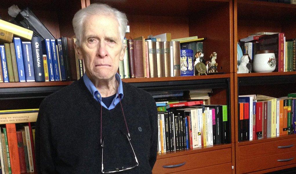 """O respeitado historiador e cientista político brasileiro Luiz Alberto de Vianna Moniz Bandeira, que faleceu nesta sexta-feira, aos 81 anos, em Heildelberg, na Alemanha,de várias obras, publicadas no Brasil e em outros países, inclusive na China, onde suas obras tem tido expressivas edições nos últimos anos; em 2015, foi indicado ao Prêmio Nobel de Literatura pela União Brasileira de Escritores (UBE), em reconhecimento pelo seu trabalho como """"intelectual que vem repensando o Brasil há mais de 50 anos""""; confira as obras do autor"""