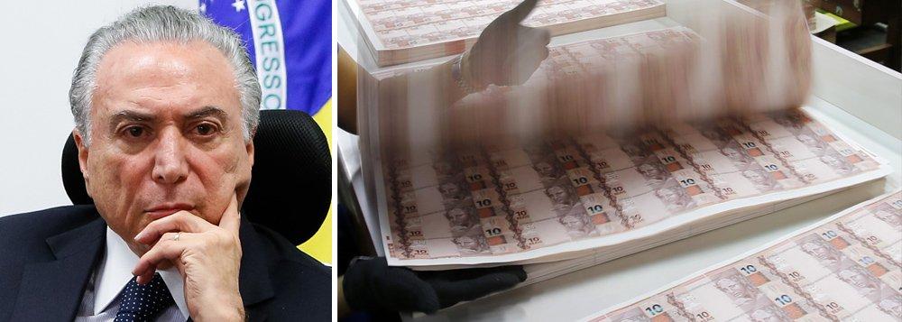 """""""Pode vender a particulares a fábrica de dinheiro de um país? Esta me parece ser a última coisa que poderia ser privatizada num país. Trata-se da moeda nacional. Trata-se de passaportes"""", coloca Alex Solnik"""