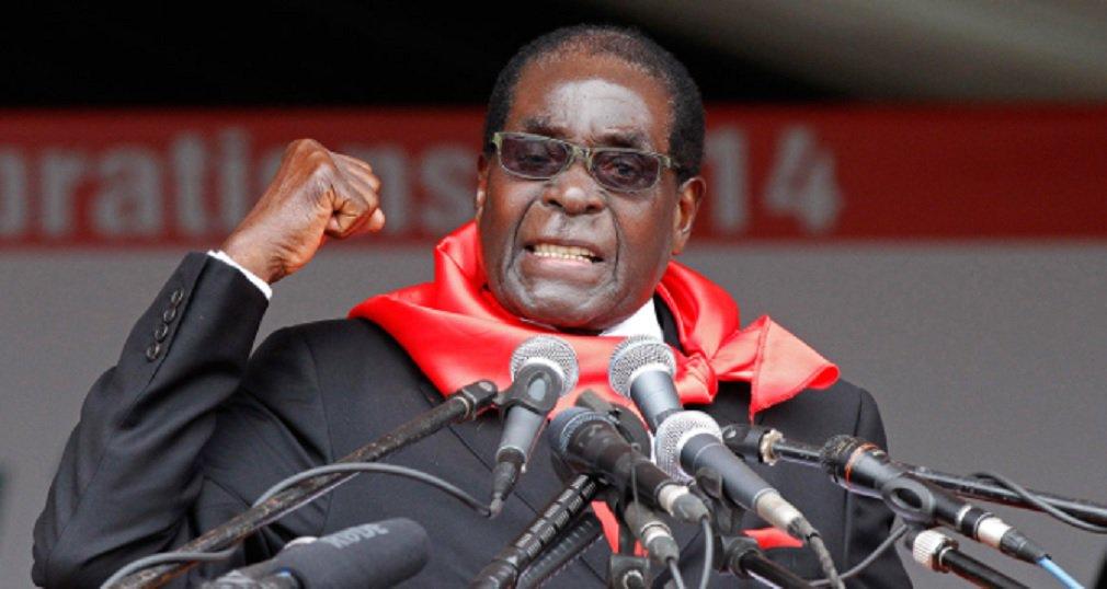 """O jornalista Jaime Sautchuk relata as impressões que tem do Zimbabue, onde há mais de 40 anos entrevistou o líder guerrilheiro Robert Mugabe, que ainda hoje possui influência no país; """"O fato é que Zimbabue vem passando por severa crise econômica, agravada por uma corrupção desenfreada e por uma elite negra que ao longo dos anos se tornou muito conservadora. Desfez os avanços sociais e promoveu a concentração de renda em mãos de poucos, que antes eram brancos e agora são pretos"""", diz"""
