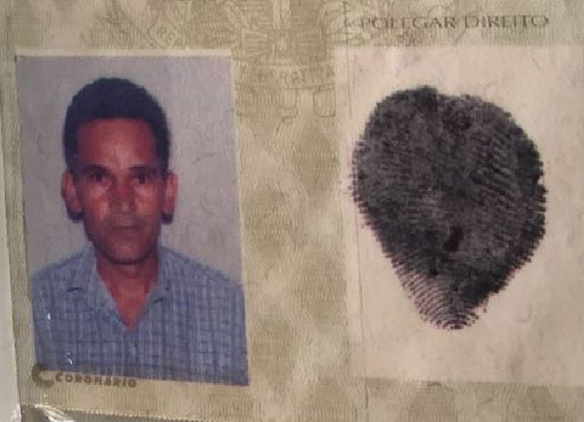 O vigiaDamião Soares dos Santos, que ateou fogo em crianças de uma creche em Janaúba, no Norte de Minas Gerais, nesta quinta-feira (5) morreu por volta de 14h50; segundo a Polícia Militar, ele jogou álcool nas crianças e nele mesmo e, em seguida, ateou fogo. Quatro crianças de 4 anos morreram no local; ele era funcionário efetivo da prefeitura desde 2008