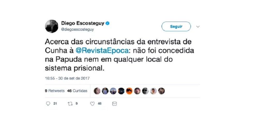 """O editor chefe da revista Época, Diego Escosteguy, fez revelação curiosa no Twitter: a entrevista do ex-deputado Eduardo Cunha à revista, capa desta semana, """"não foi concedida na Papuda nem em qualquer local do sistema prisional""""; """"Das duas, uma: Cunha está fora da prisão ou saiu da cana para papear com os jornalistas da publicação, que pertence ao grupo Globo. Seja qual for a alternativa, é ilegal"""", afirma o DCM"""