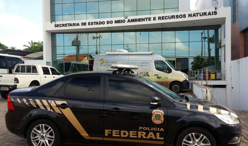 A Polícia Federal (PF) deflagrou a 5ª fase da Operação Sermão aos Peixes, chamada de Pegadores, que apura indícios de desvio de recursos públicos federais, em contratos de gestão e termos de parceria entre o governo do Maranhão e organizações do terceiro setor; os policiais federais cumprem 45 mandados judiciais expedidos pela juíza Federal Paula Souza Moraes, da 1ª Vara Criminal Federal no Maranhão; a juíza federal Paula Souza Moraes determinou também o sequestro de bens dos suspeitos no valor de mais R$ 18 milhões