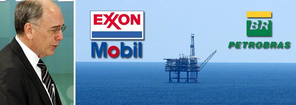 """A imprensa norte-americana noticiou a venda de reservas de petróleo com títulos como """"atrai interesse"""" e se torna """"o leilão mais bem-sucedido do país""""; para oWall Street Journal, a venda """"marca a volta da Exxon"""", maior petroleira americana, que se associou à Petrobras para derrotar a chinesa Cnooc e outras, adquirindo blocos do pré-sal por mais de US$ 1 bilhão"""