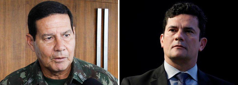 """""""Quem torce o nariz quando um general faz política, o que não pode fazer, mas bate palmas quando são juízes – igualmente impedidos de fazê-la – transformam-se em políticos da pior espécie: sem voto, sem princípios democráticos e com o direito de """"cassar"""" e encarcerarapenas por suas 'convicções'"""", avalia o jornalista Fernando Brito ao comparar o general Antonio Hamilton Mourão com o juiz federal Sérgio Moro; """"Acho que o muito mais perigoso para a democracia e para a liberdade no país é o 'Morão',não o Mourão"""""""