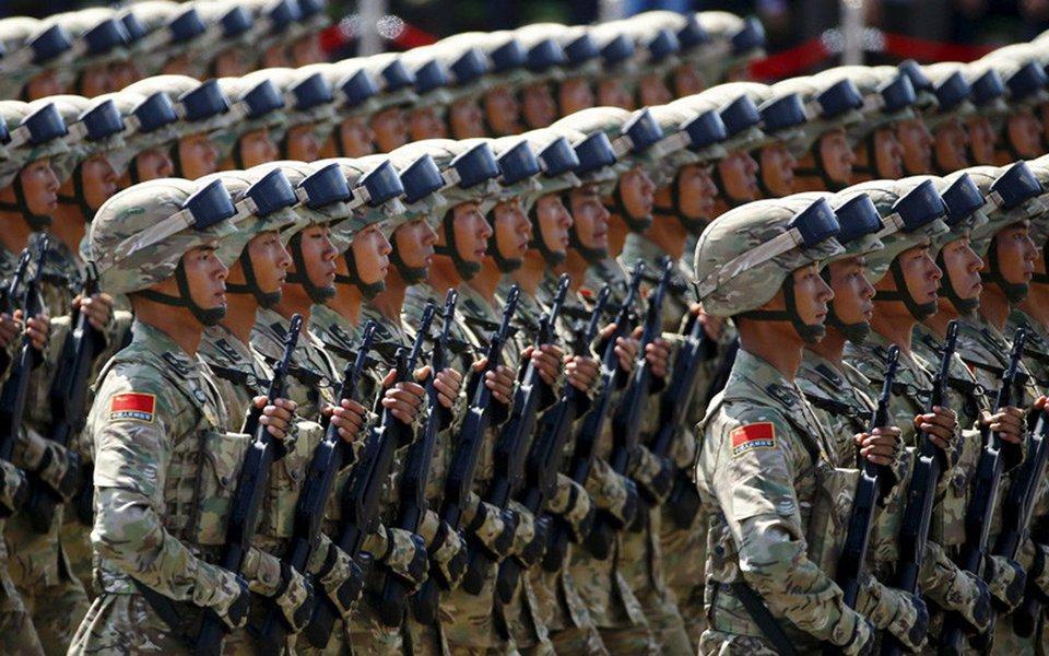 """""""A China nunca permitirá a guerra ou o caos às suas portas"""", declarou o porta-voz do Ministério da Defesa chinês, Ren Guoqiang, citado pela Reuters.Esta foi a resposta à pergunta sobre a sua posição em relação à tensão na península coreana nesta quinta-feira em coletiva de imprensa mensal"""