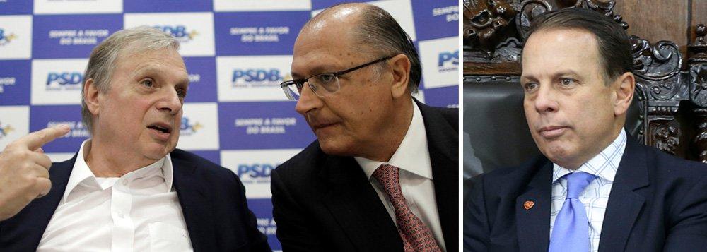 """""""Alckmin é uma das lideranças mais importantes do partido há muito tempo e é o primeiro da fila"""", diz o senador Tasso Jereissati (PSDB-MG), que afirma que, se não houver consenso, o candidato tucano será escolhido por meio de prévias; como o prefeito João Doria promete não disputar prévias contra seu padrinho Geraldo Alckmin, tudo indica que o governador paulista será mesmo o candidato do PSDB à presidência da República em 2018; Tasso também criticou o discurso de ódio que vem sendo promovido por Doria nos últimos meses; """"essa política de nós contra eles é um desserviço para o Brasil. Além de dividir, traz violência, desrespeito e intolerância. É um péssimo sinal para democracia"""", afirmou"""