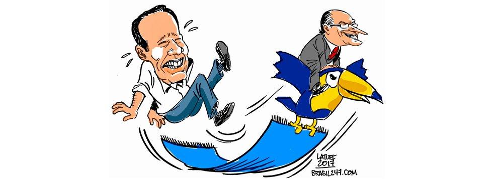 Charge de Carlos Latuff traz o atual cenário no PSDB: enquanto o prefeito de São Paulo, João Doria, afunda sua própria candidatura a presidente, com grosserias contra o cacique tucano Alberto Goldman e com o péssimo governo na capital paulista, dá forças para a candidatura do governador, Geraldo Alckmin