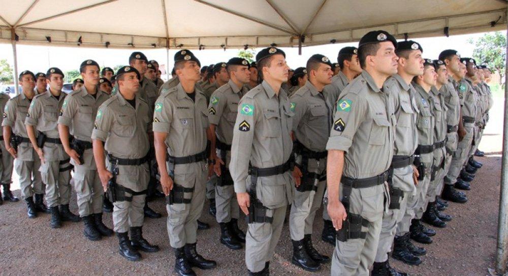 O governador Marconi Perillo fará o chamamento de 2,5 mil policiais militares que integrarão as forças de segurança pública no dia 06 de setembro, véspera de feriado, anunciou o vice-governador José Eliton; o comunicado foi feito durante a passagem do programaGoiás na Frentepor Iporá, Moiporá e Ivolândia