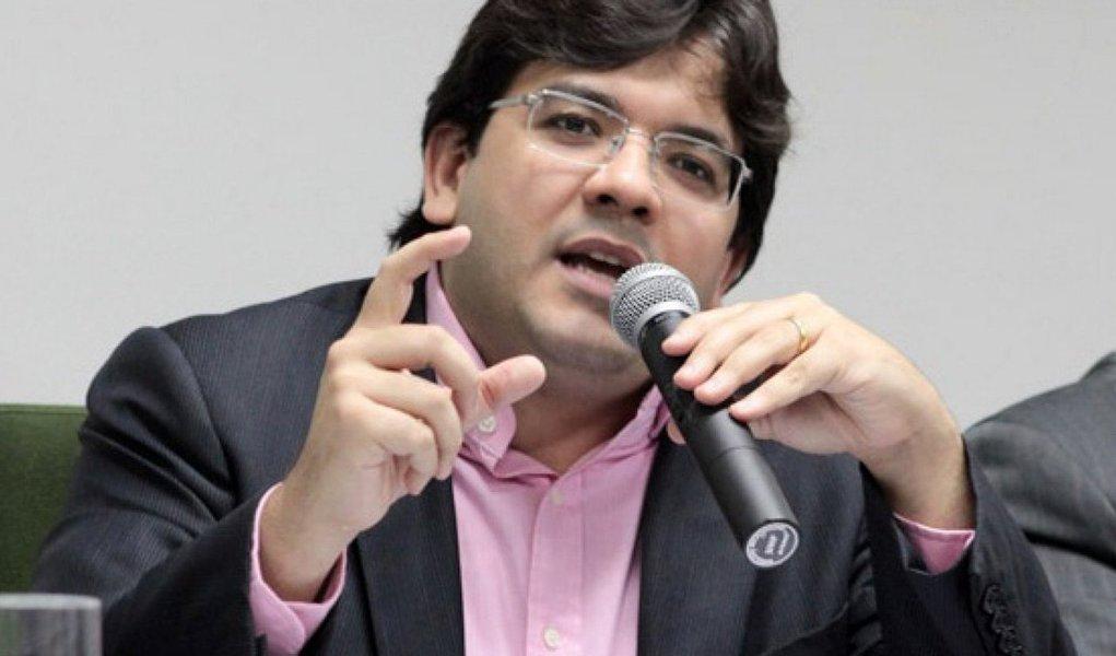 """O Piauí recebe a missão do Banco Interamericano de Desenvolvimento (BID), que concluirá os acordos necessários para validar os projetos que serão executados a partir da operação de crédito que visa investir US$ 50 milhões (cerca de R$ 157,5 milhões) no Projeto de Modernização e Aperfeiçoamento da Gestão Fiscal do Estado do Piauí (Prodaf-PI), por meio da linha de crédito do Programa de Apoio à Gestão e Integração dos Fiscos no Brasil (ProfiscoII);""""São esses investimentos que irão garantir uma gestão fiscal mais moderna e fortalecida porque prevê a aplicação dos recursos em projetos que visam à melhoria da administração das receitas e da gestão fiscal, financeira e patrimonial dos estados brasileiros"""", explica o secretário Estadual da Fazenda, Rafael Fonteles"""